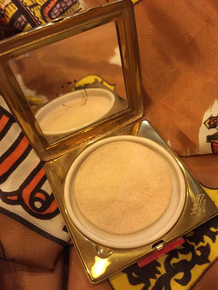 Ladies Powder Compacts.   www.fieldstaffantiques.com