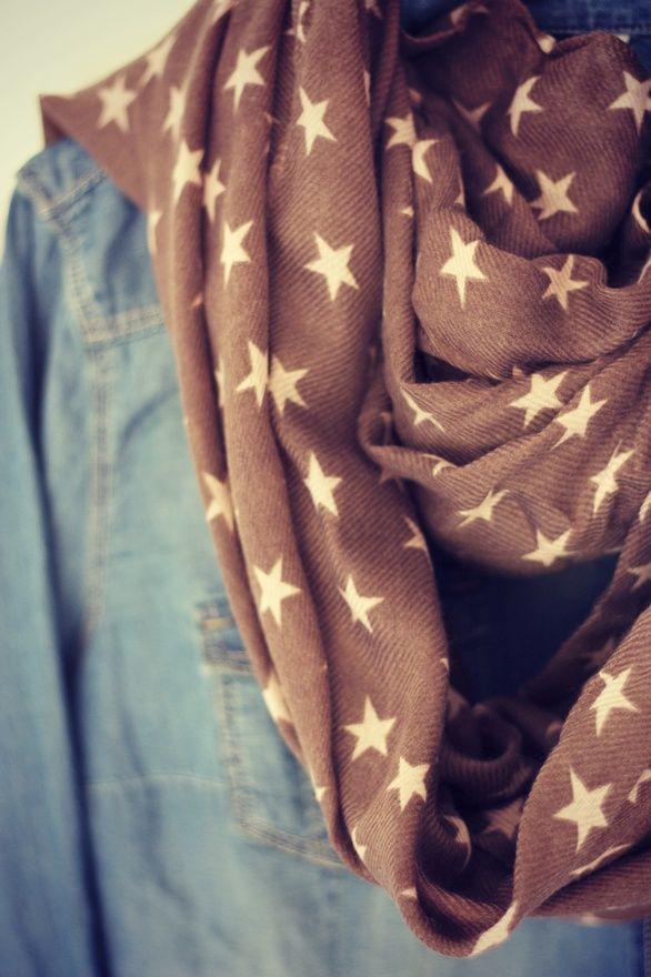 Star Print.: Starry Scarfs, Autumn Outfit, Stars Scarfs, Infinity Scarfs, Chambray Shirts, Prints Scarfs, Texas Fashion, Style Fashion, Fashion Stars