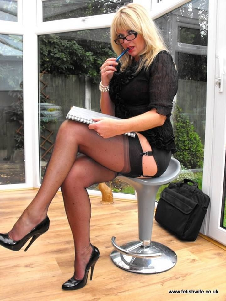Please! Fucking wives in stockings and heels