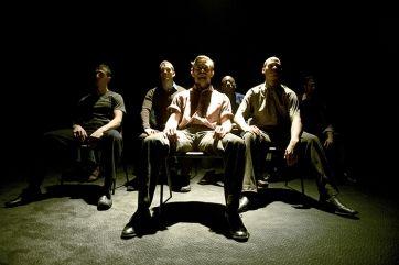 Μια παράσταση μόνο για ενήλικες καθώς περιέχει σκληρές σκηνές γυμνού Η φημισμένη ομάδα χορού DV8 Physical Theatre επιστρέφει στη Στέγη Γραμμάτων και Τ...