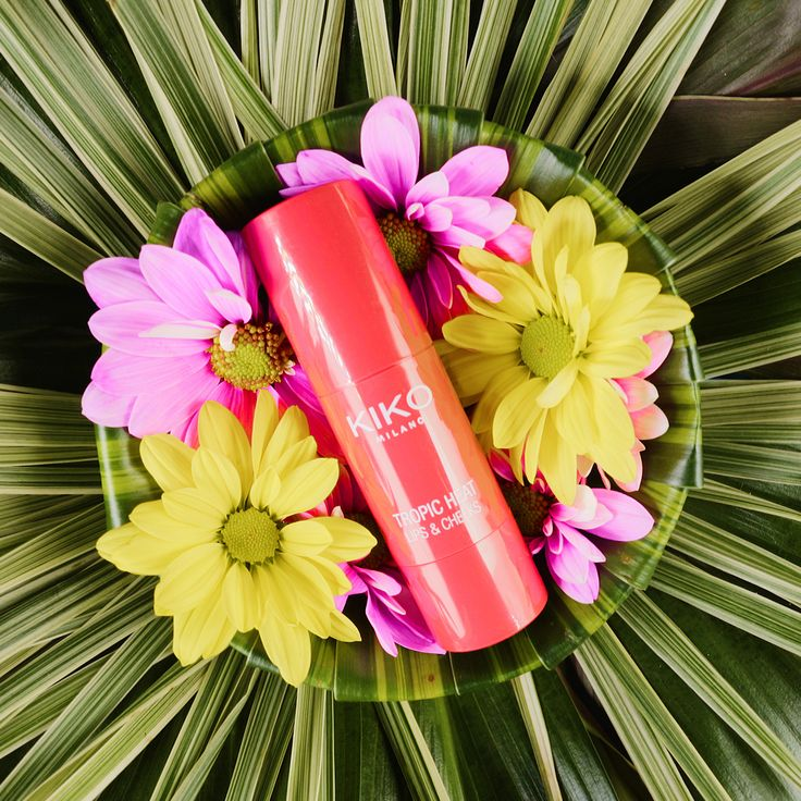 Fun. Playful. Colourful. KIKO MILANO presents Tropic Heat, the second in the capsule collection, this edition designed by the founders of Leitmotiv, Juan Caro and Fabio Sasso. The designers' eclectic style is visible in the products' floral and fruity decorations.