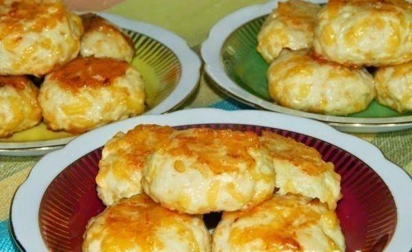 Фото к рецепту: Куриные шарики с сыром