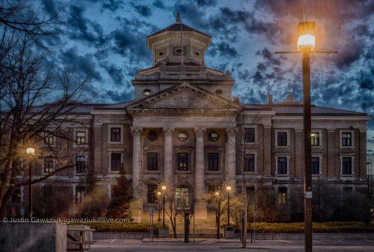 "https://flic.kr/p/sr7aCt | University of Manitoba Administration Building (1911-1913) | Composite of 7 exposures. More building information on university webpage <a href=""http://wbi.lib.umanitoba.ca/WinnipegBuildings/showBuilding.jsp?id=1339"" rel=""nofollow"">wbi.lib.umanitoba.ca/WinnipegBuildings/showBuilding.jsp?i...</a>"