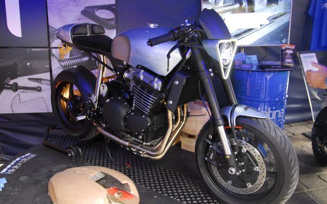 RocketGarage Cafe Racer: Triumph T15
