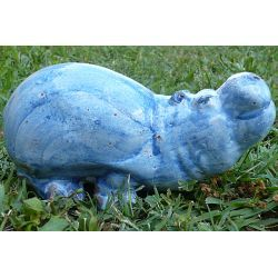 Handmade in antifreeze terracotta. Wonderful reproductions of home and wild animals that can live in our houses, parks and gardens as alive and real presences.