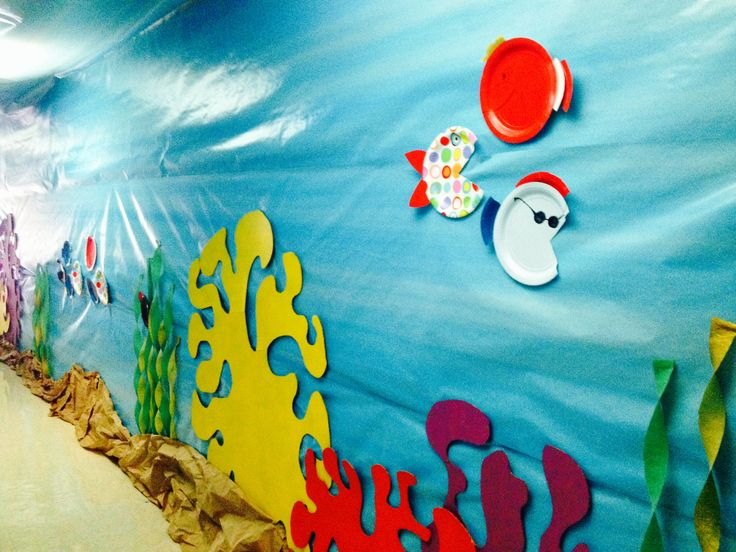 Weird animals VBS. Paper plate fish. Cardboard coral cut outs. #cfcholt