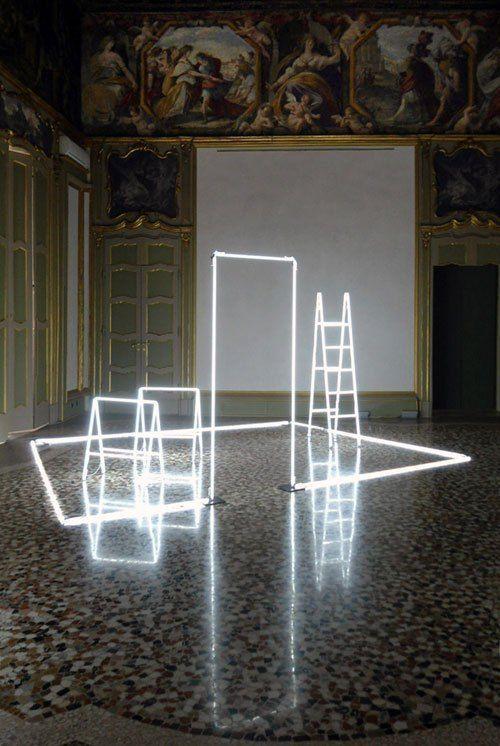 17 meilleures id es propos de art de l 39 objet trouv sur for Neon artiste contemporain