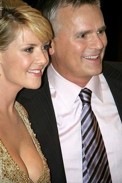 Ohhhhhhh... don`t they look great together <3 Amanda Tapping, RDA <3 <3