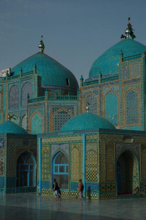 The Shrine of Hazrat Ali aka Blue Mosque in Mazār-e Sharīf, Afghanistan