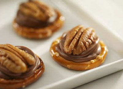 Added to Paprika HERSHEY'S   ROLO Recipes with Chewy Caramel & Smooth Milk Chocolate - I made them with another pretzel on top, and they were a definite hit!  Dave suggested dipping the whole thing in chocolate.