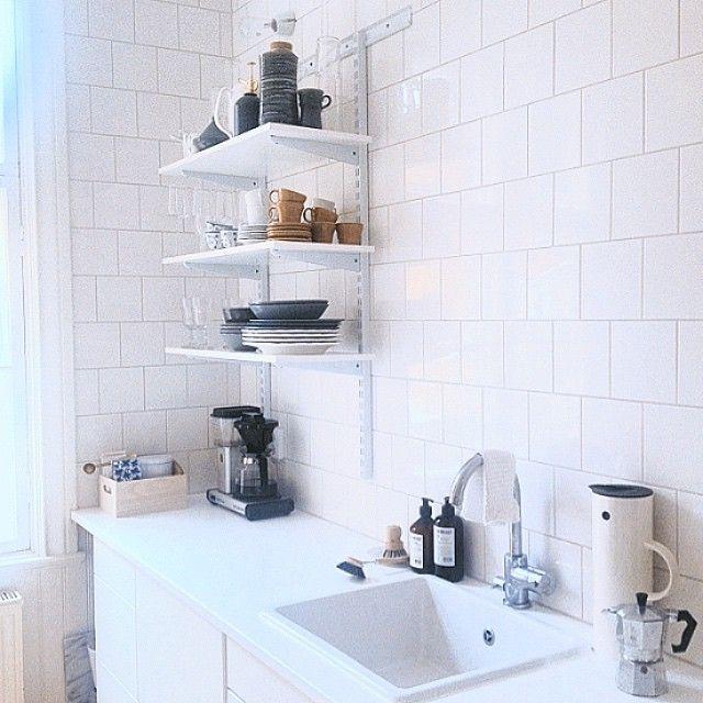 New Shelves In The Kitchen. We Love Elfa #elfa #kitchen #kök #
