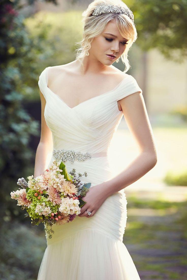 Essense Designs Wedding Dress//