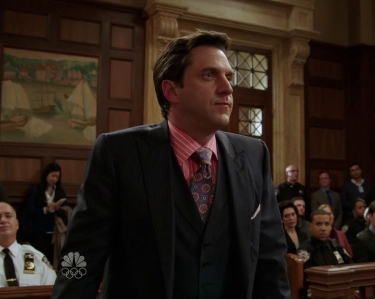 ADA Rafael Barba's outfits : Tag results
