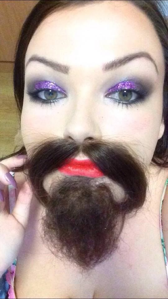 Here i was practicing one possible make-up look for my final gypsy circus bearded lady. I used my Kryolan camouflage concealer pallete, Kryolan foundation pallete and translucent powder for the base. The the eyes I used a mixture of mehron, dazzle dust an