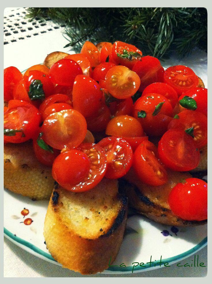 Bruschetta  http://lapetitcaille.blogspot.ro/2013/12/bruschetta.html