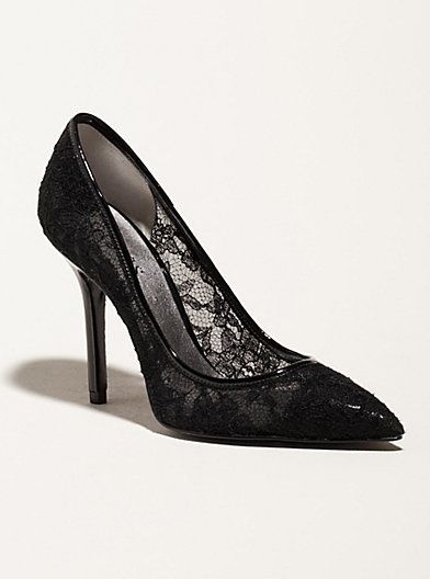 Mom had lacey shoes like this in the 60's - loved them!Guess Lace, Lace I, Guess Very, Ladies Shoes, Black Laces, Lacey Shoes, Heels, Homecoming Shoes, Lace Pump