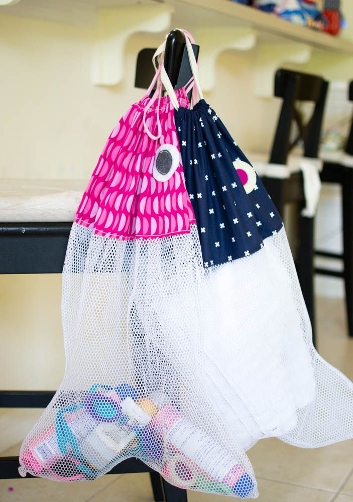 DIY Fish Beach Bags - free pattern... great for laundry bags too!