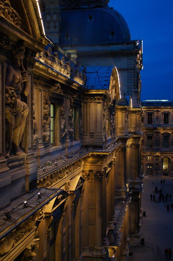 """""""Louvre""""(Paris)**"""