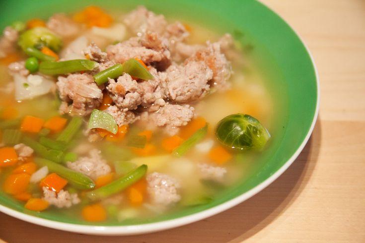 Thüringer-Mett-Suppe mit Gemüse