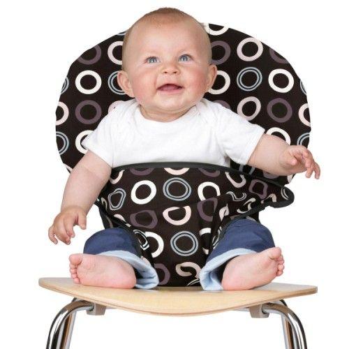Le si�ge nomade Totseat permet de s�curiser votre enfant d�s qu'il se tient droit dans la plupart des chaises adultes, comme une chaise haute instantan�e. C'est le si�ge id�al et compact � emmener partout avec vous. Il se plie et se range dans un sac grand comme une main et est tr�s simple � utiliser. Son dossier est extra large et r�glable par un double maintien en haut et en bas, l'assise s'adapte sur 3 hauteurs pour suivre la croissance de votre enfant.