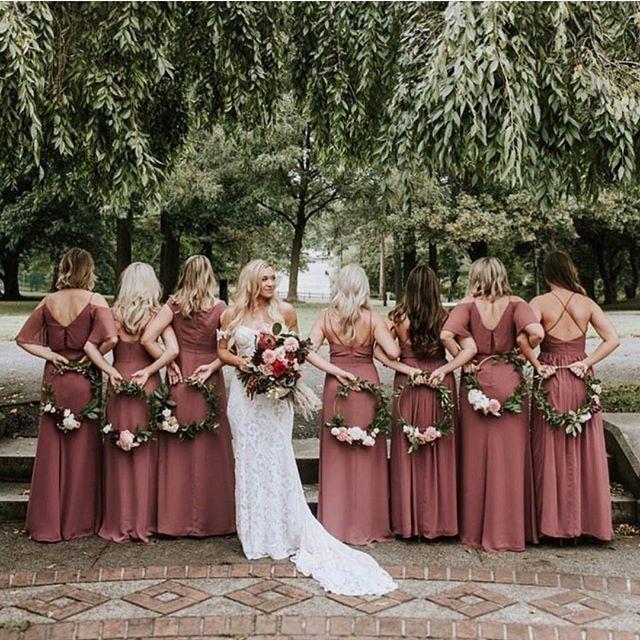 Bride Tribe On Instagram This Colour Palette This Colour Palette Dusty Rose Is By Far This Years Hottest Wedding Colour Are You A Dusty Altrosa Brautjungfernkleider Festliche Kleider Hochzeit Und