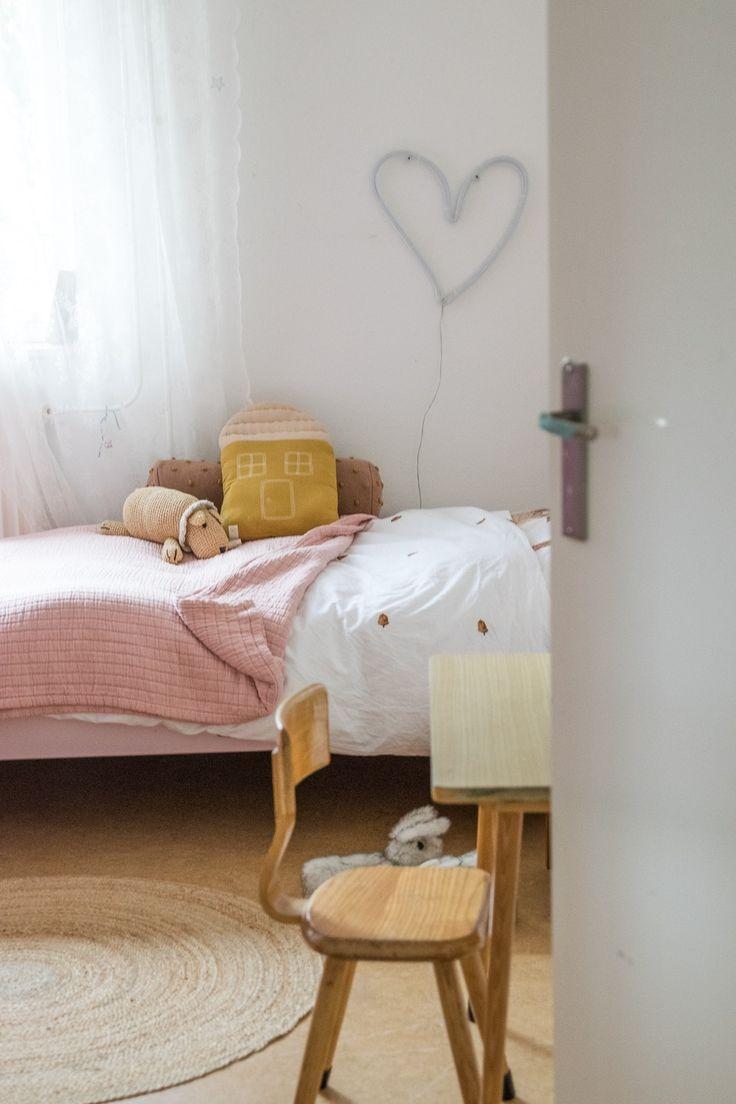 Girlsroom in soft tones - www.wimke.nl