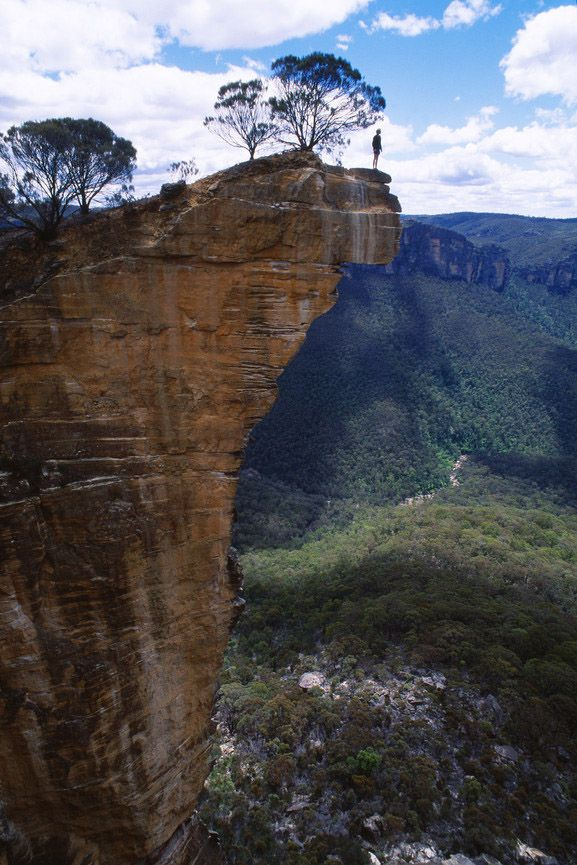 Lookout at Hanging Rock, Blackheath, Grose Valley, Blue Mountains, New South Wales.. I might even take a picnic