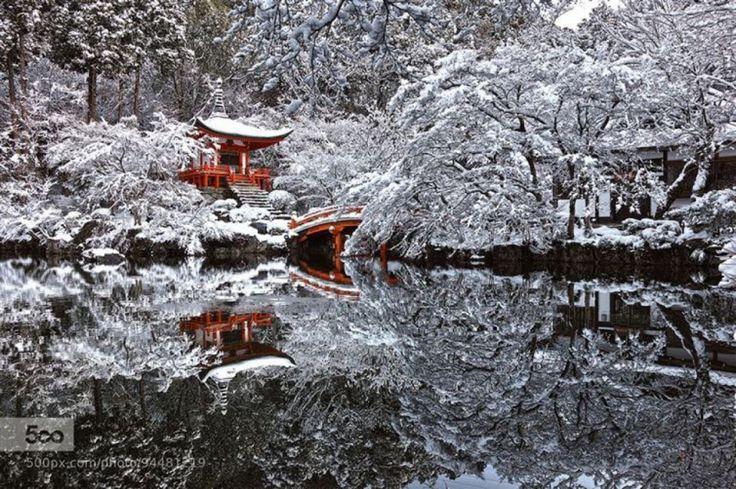 Le magnifique temple de Kyoto, au Japon, après une tempête de neige