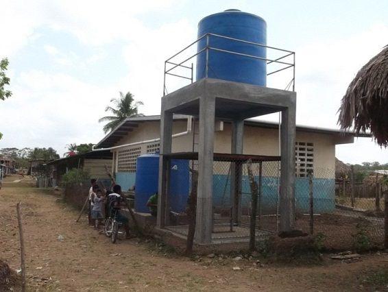 Construccion de torre en concreto para tanque de agua for Estanque de agua 5000 litros