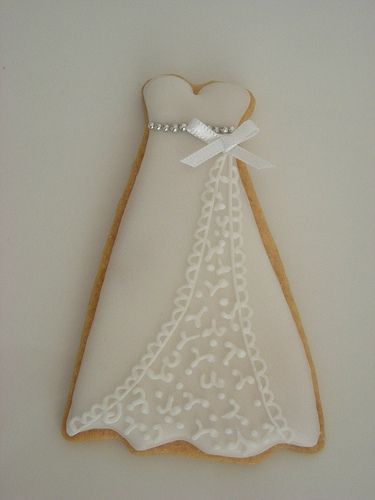 Wedding dress cookie by Cbonbon cookie, via Flickr