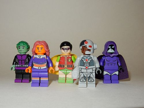DC Teen Titans Custom Minifigs incl Raven and Starfire