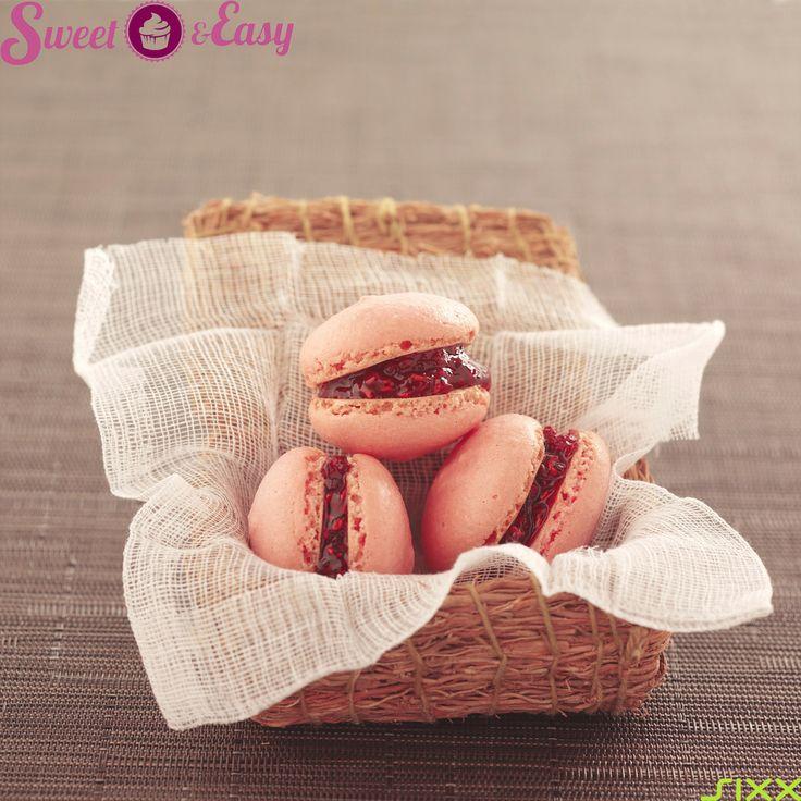 Zarte Himbeer-Macarons – Schon die Farbe überzeugt uns!