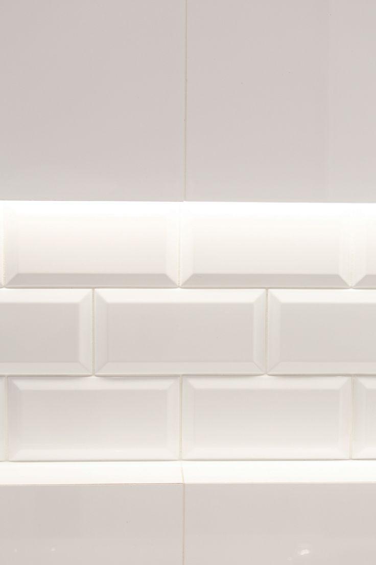 #Viverto #inspiracjeViverto #łazienka #bathroom #tiles #płytki #kolory #inspiracja #inspiracje #pomysł #idea #perfect #beautiful #nice #cool #wnętrze #design #wnętrza #wystrójwnętrz #łazienki #pięknie #ściana #wall #light #white #biel #mozaika #niebanalnie #kolory #kolorowo #mozaika #trendy #modnie #retro #cegiełki