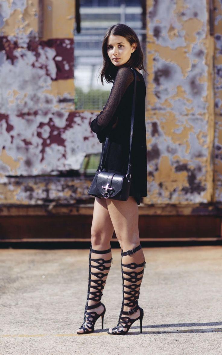 Sara wering @Valerie Avlo Avlo Avlo Schutz Shoes gladiator sandals| Street Fashion
