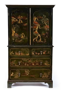 A GEORGE III CHINOISERIE LACQUERED LINEN PRESS