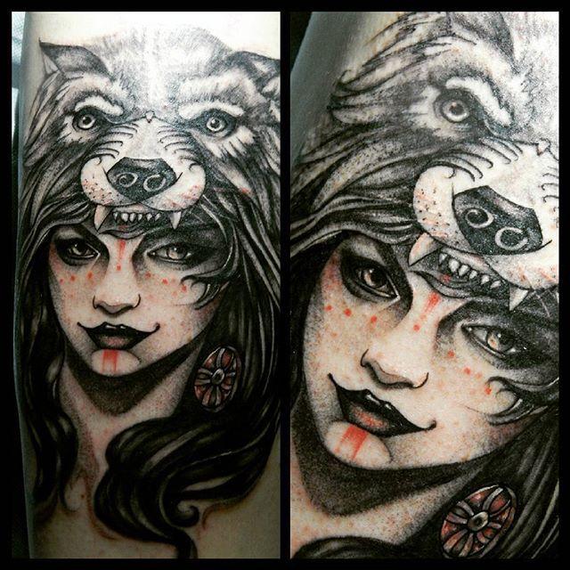 GIRLS \ WOLF \ TATTOO \ ART
