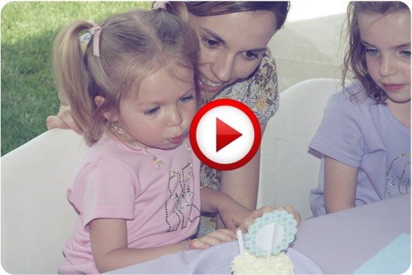 One little girl's adorable struggle #funny, #videos, #pinsland, apps.facebook.com...