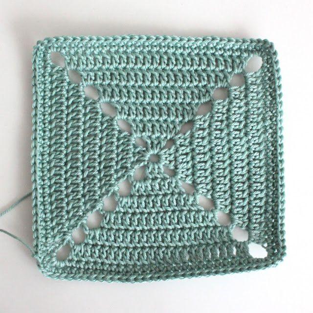 Lutter Idyl: Detaljeret DIY - hæklet firkant. Hun har lavet et SMUKT tæppe af de her firkanter, hæklet lappetæppe i kauni, superflot.