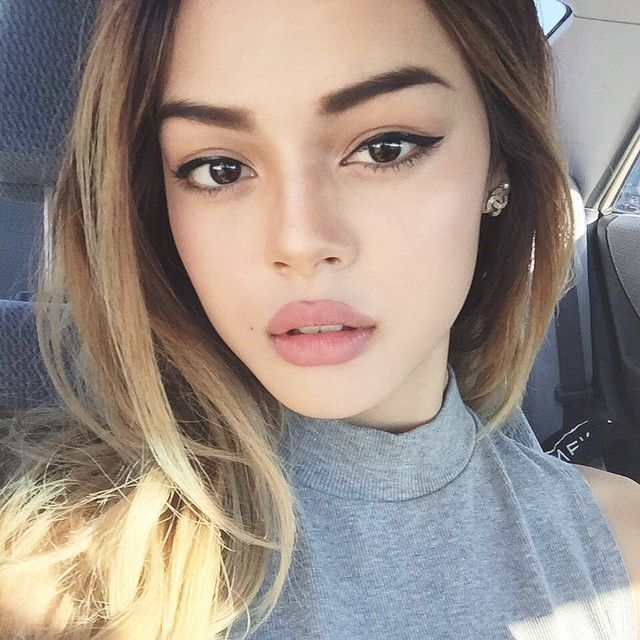 kinda sexy - Mac lipstick