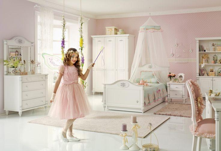Romantic princeznovský pokoj pro dívku, světlý dětský nábytek / children's room