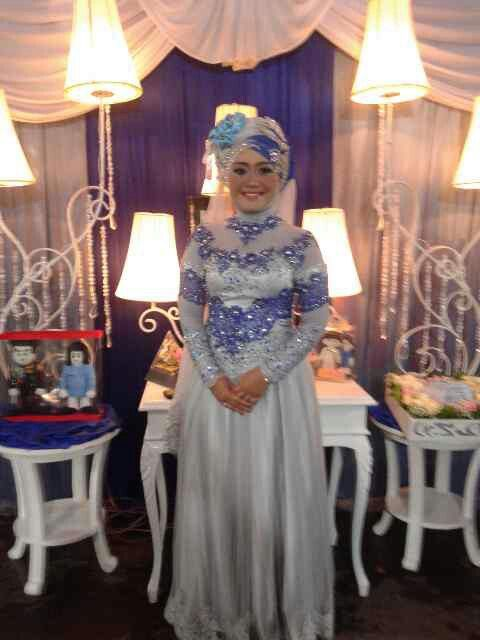 Engagement gown | #hijab | hastag hijab | hijab gown | silver combine electric blue