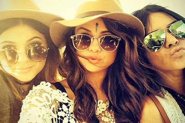 """Selena Gomez 'ends feud with Kendall and Kylie Jenner after admitting she """"overreacted"""" over texts to Justin Bieber'"""