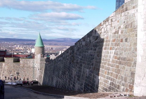 Quebec portes fortifications | Le Vieux-Québec, héritage britannique? - L'actualité