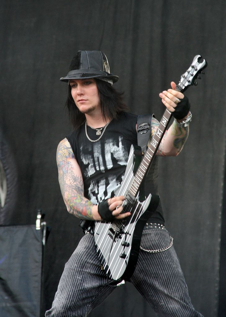 259 best images about Synyster Gates on Pinterest | Christ ...