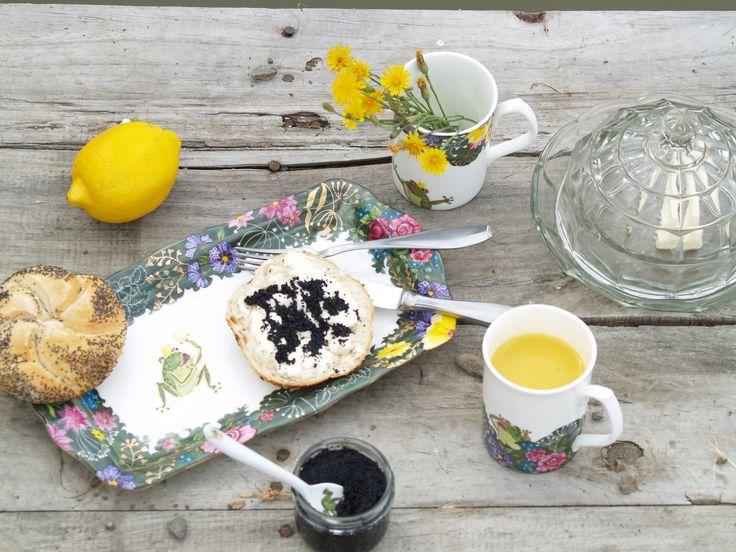 Aristocratic breakfast