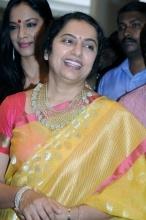 Suhasini in Saree Photos,Suhasini maniratnam Photos,Suhasini photo stills,Senior actress Suhasini photos in saree photos      Read more: http://www.tollywoodandhra.in/photos/telugu-actress/suhasini-in-saree-photos/
