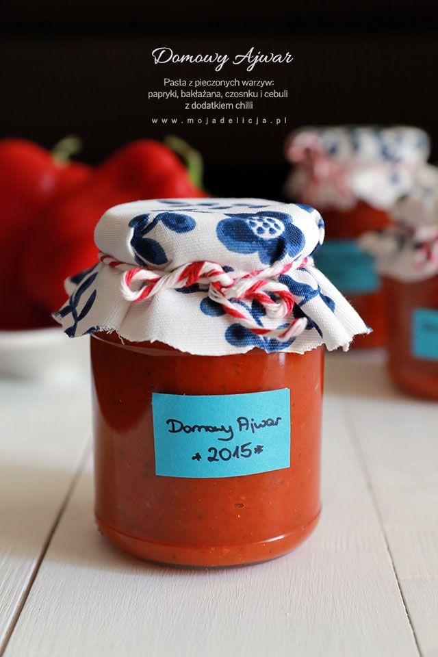 Domowy Ajwar - pasta z pieczonej papryki i bakłażana oraz pieczonej cebuli i czosnku z dodatkiem papryczek chilli.// Ajvar (Roasted Red Pepper and Eggplant Relish)