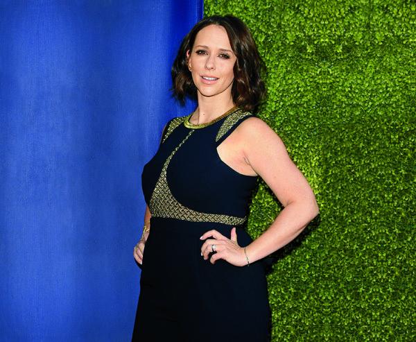 Jennifer Love Hewitt Is Having Trouble Shedding The Baby Weight | OK! Magazine