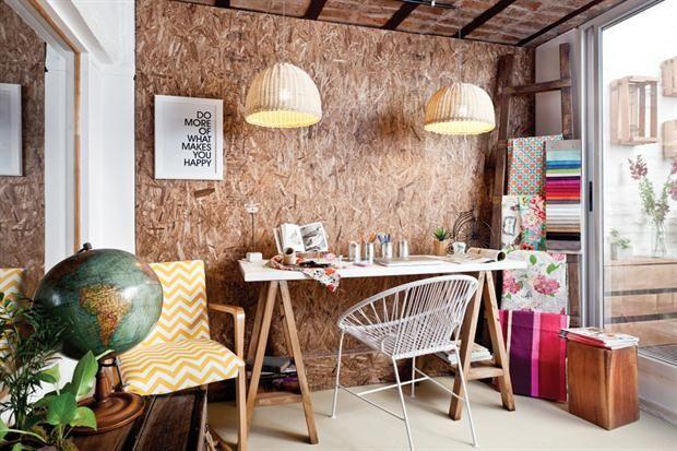 Pared revestida en aglomerado escritorio con caballetes en madera escritorio pinterest - Decoracion rustica moderna ...
