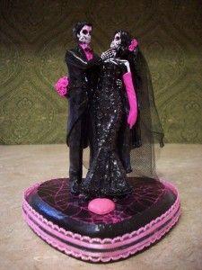 gothic wedding cake topper www.weddingandcak...